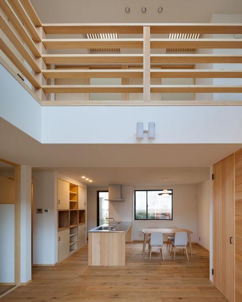 三橋の家 株式会社山岡建築研究所 モダンデザインの リビング