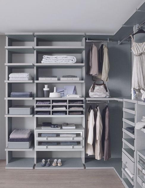 Linen walk-in-wardrobe Lamco Design LTD AnkleidezimmerKleiderschränke- und kommoden