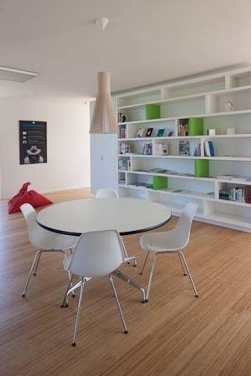 hasa architecten bvba Modern Study Room and Home Office