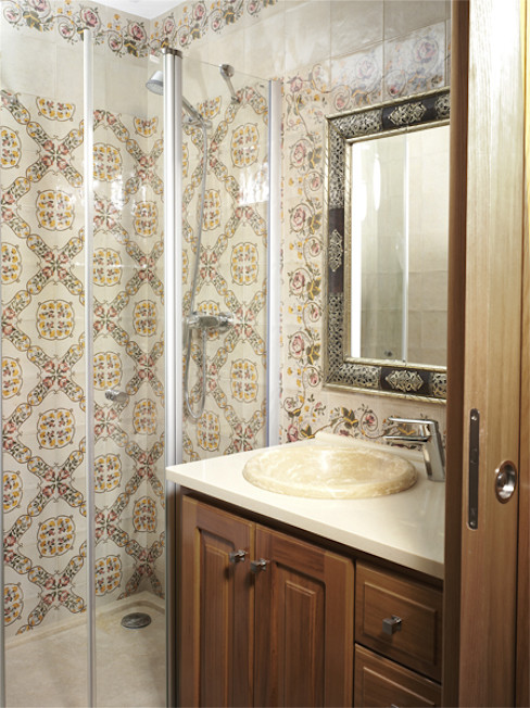 INTERAZULEJO Rustic style bathroom