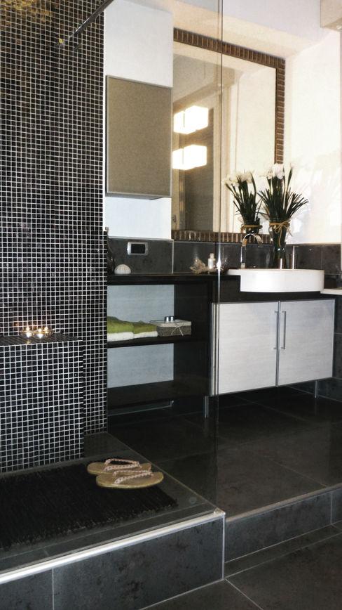 Bagno Studio Zay Architecture & Design Bagno moderno Ceramica Grigio