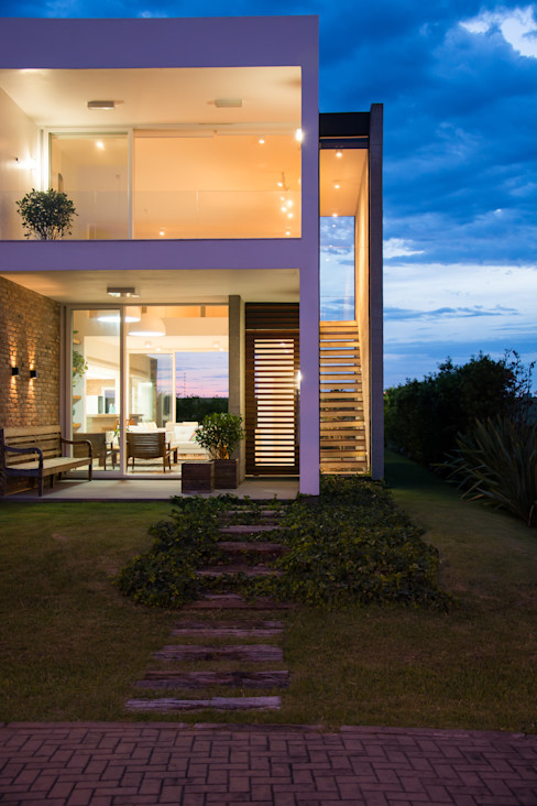 SBARDELOTTO ARQUITETURA 現代房屋設計點子、靈感 & 圖片
