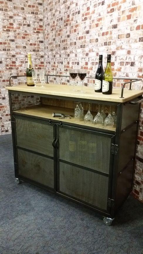 Industrial Wine/Drinks Trolley on lockable castors V I Metal Ltd Salle à mangerCave à vin