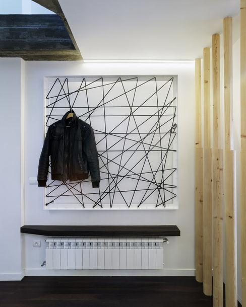 Ameneiros Rey | HH arquitectos Minimalist corridor, hallway & stairs