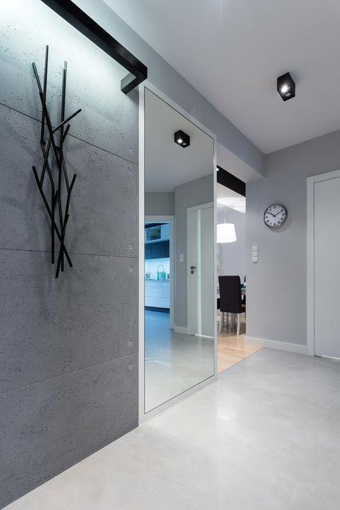 Contractors Modern corridor, hallway & stairs