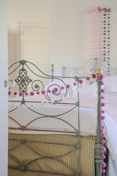 PomPom Garlands used in Girls new bedroom PomPom Galore 클래식스타일 침실