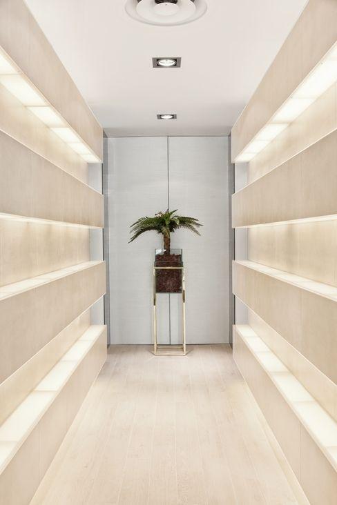 Catarina Batista Studio Modern Corridor, Hallway and Staircase Ceramic