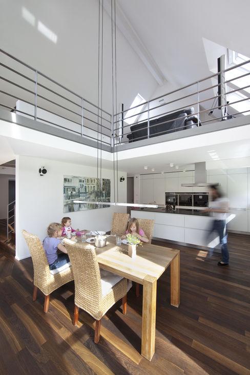 Koschany + Zimmer Architekten KZA Modern Kitchen