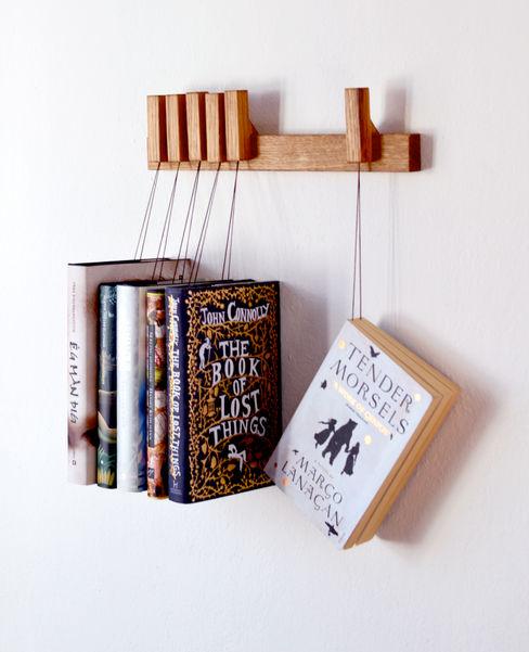 Mini book rack in Oak agustav Korytarz, hol i schodySzafy i wieszaki