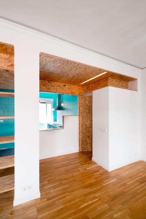 Reforma Low-Cost idearch studio Cocinas de estilo industrial