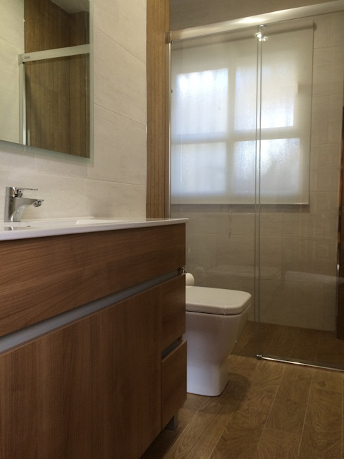 Viroa ǀ Arquitectura – Interiorismo – Obras Modern style bathrooms