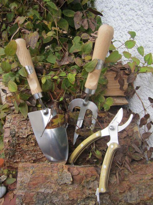 Laura Ashley Garden Collection, Design Cressida Welt der Blüten GartenAccessoires und Dekoration