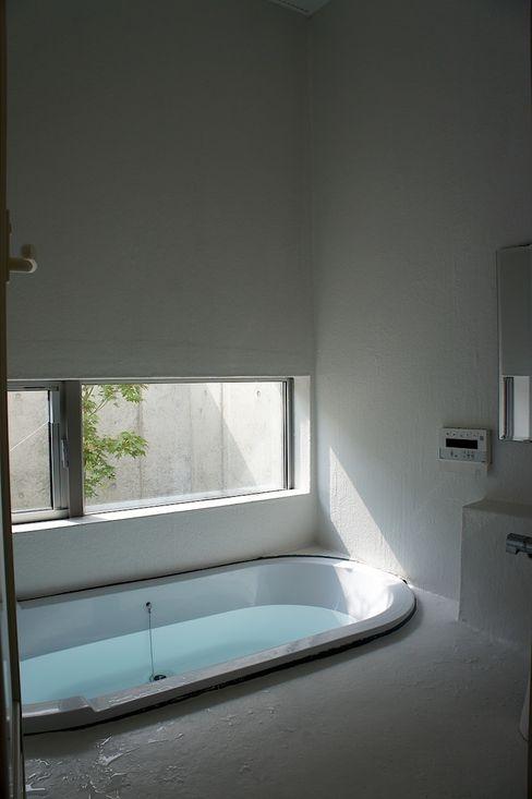 The House for ride the wave. tai_tai STUDIO Ванная комната в эклектичном стиле