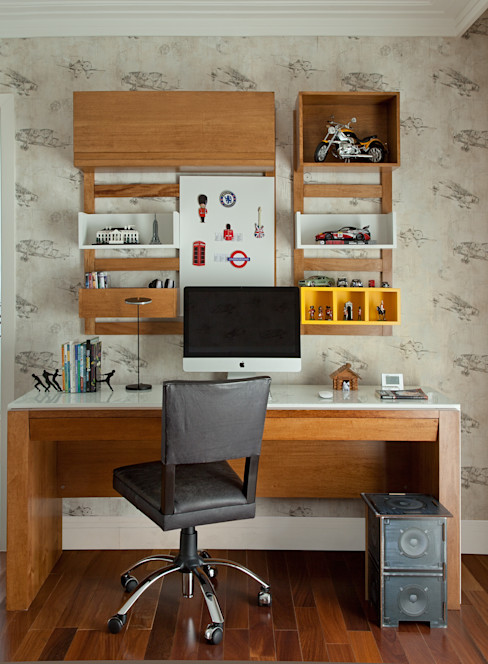 Vilma Massud Design de Interiores Nursery/kid's roomDesks & chairs