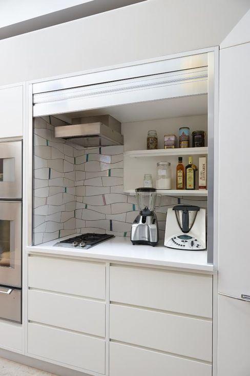Richmond - A Kitchen in Three Movements Johnny Grey Modern kitchen