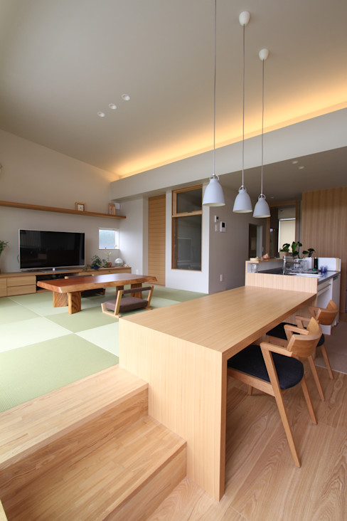 和気町の家 福田康紀建築計画 和風デザインの ダイニング