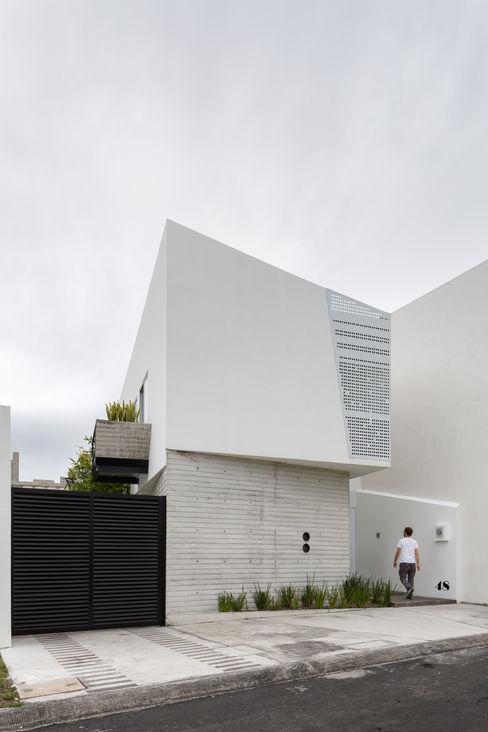Fachada Ten House Taller ADC Architecture Office Casas minimalistas