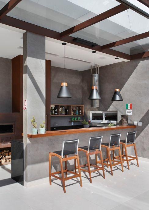 ANGELA MEZA ARQUITETURA & INTERIORES Balkon, Veranda & TerrasseMöbel
