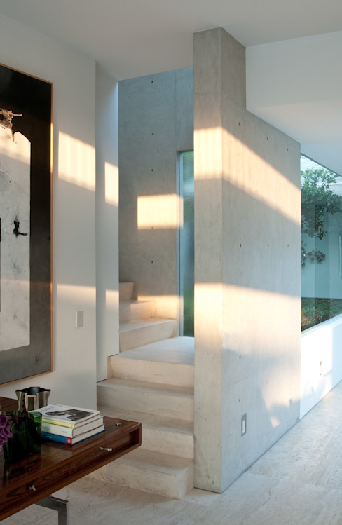 Polanco Penthouse Gantous Arquitectos Modern corridor, hallway & stairs