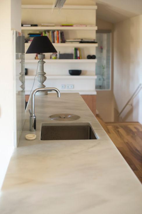 DMP arquitectura Кухня в стиле модерн