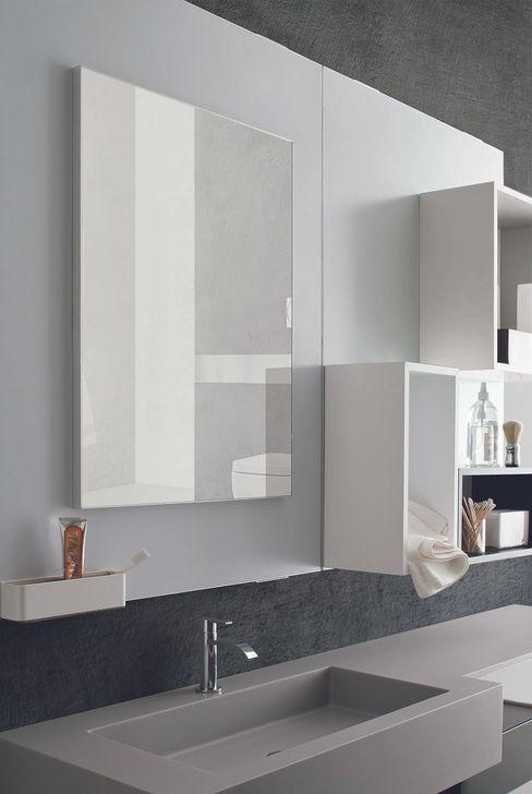Magnetika bathroom - magnetic mirror and shelves Ronda Design Salle de bainMiroirs
