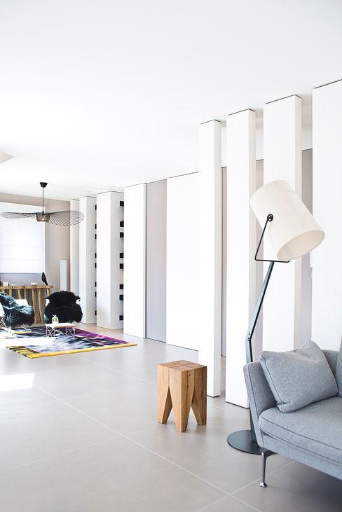 Anne-Maud & Natacha Modern living room