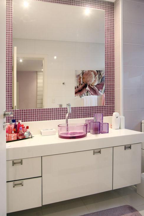 Lucia Navajas -Arquitetura & Interiores Modern bathroom