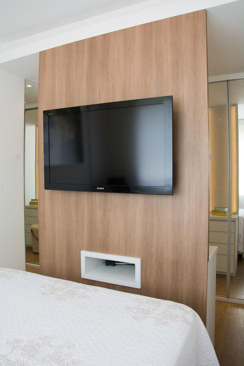 Lindoia Apartment Bibiana Menegaz - Arquitetura de Atmosfera Kamar Tidur Minimalis Kayu Wood effect