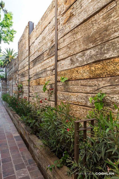 Jardín MARIANGEL COGHLAN Jardines de estilo rústico