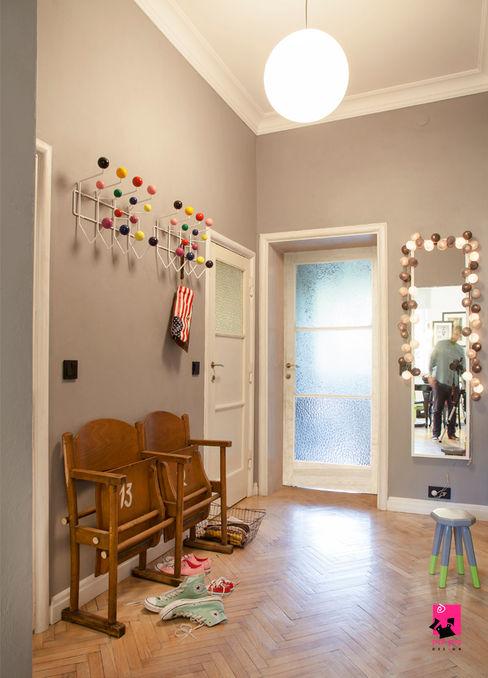 Hol Pink Pug Design Interior Eklektyczny korytarz, przedpokój i schody