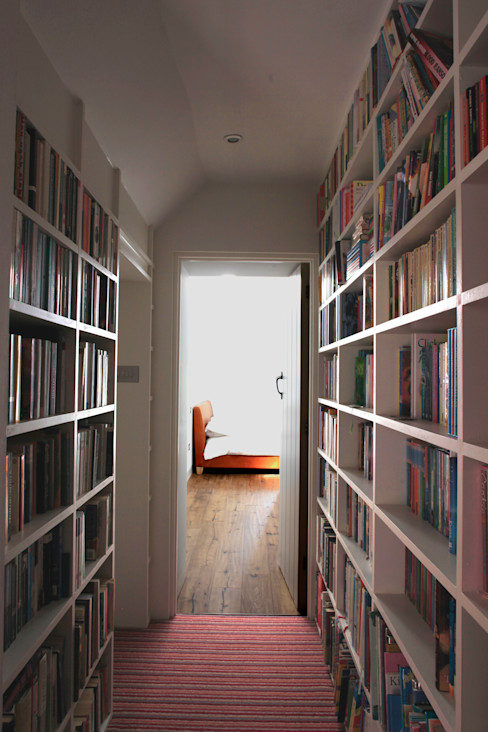 Veddw Farm, Monmouthshire Hall + Bednarczyk Architects Modern corridor, hallway & stairs