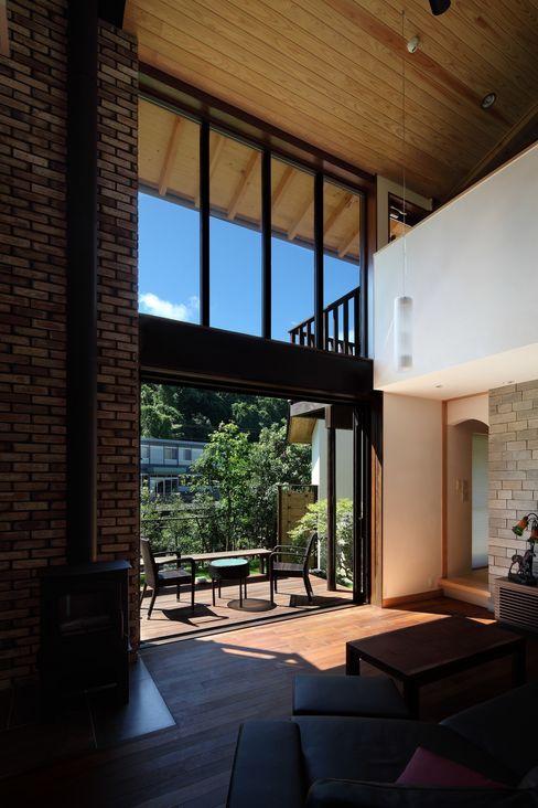 西谷の家 TAMAI ATELIER モダンデザインの リビング