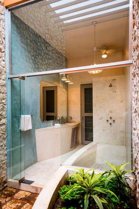 Taller Estilo Arquitectura Colonial style bathroom