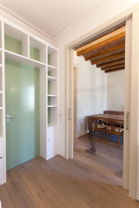 4+1 arquitectes Oficinas de estilo moderno