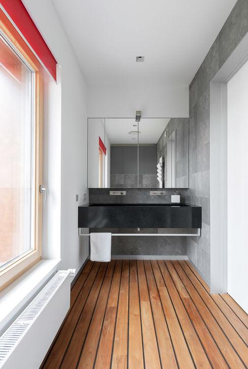 apartment V-21 VALENTIROV&PARTNERS 미니멀리스트 욕실