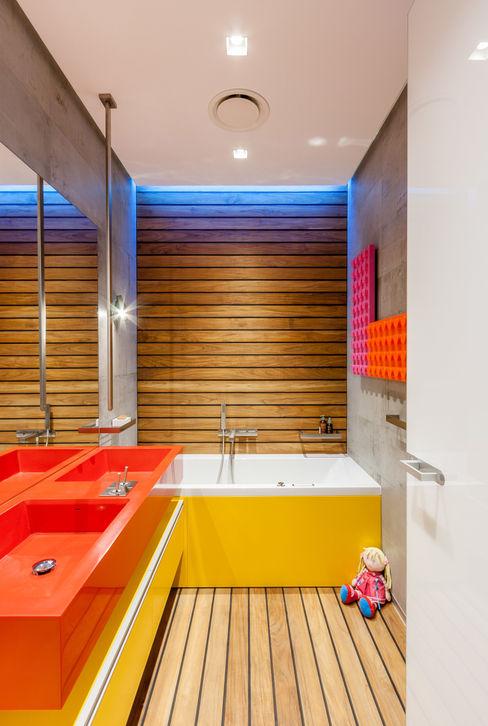 apartment V-21 VALENTIROV&PARTNERS Salle de bain minimaliste