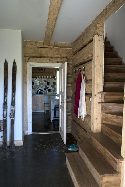 deco chata Коридор, прихожая и лестница в стиле кантри