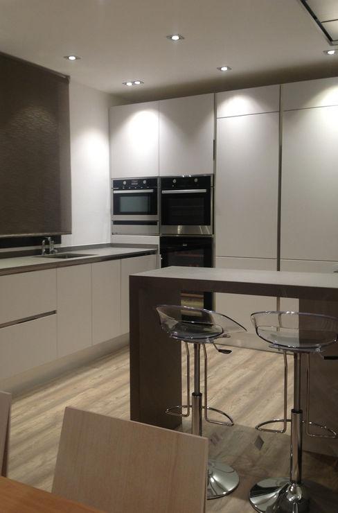 COCINA Arquitect&Deco Bcn. SL. Cocinas de estilo minimalista