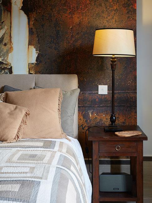 MASTER BEDROOM IS AND REN STUDIOS LTD 에클레틱 침실