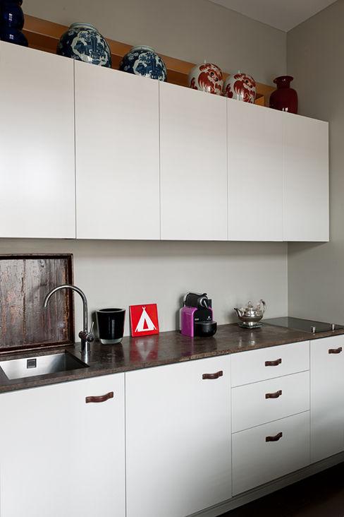 Gisbert Pöppler Architektur Interieur Cucina minimalista