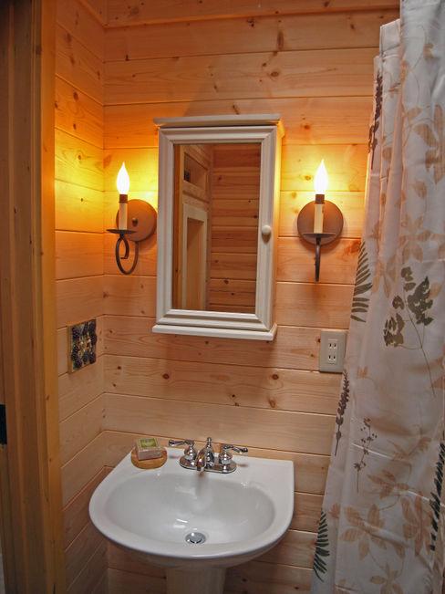 Bird House Lodge in Woods, Japan Cottage Style / コテージスタイル Baños de estilo rural Madera Acabado en madera