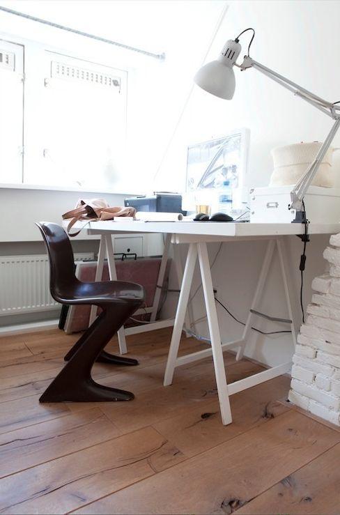 ontwerpplek, interieurarchitectuur Ruang Studi/Kantor Modern