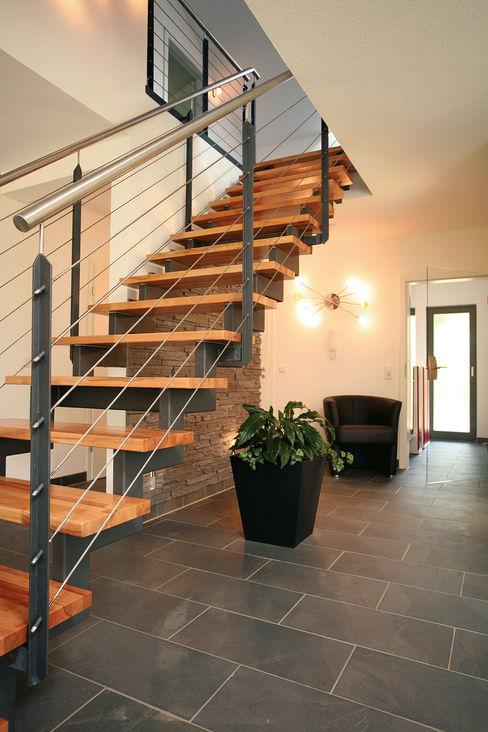 homify 地中海走廊,走廊和楼梯