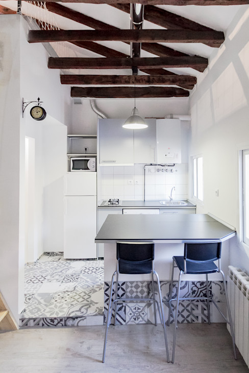 MÓRULA 地中海デザインの キッチン
