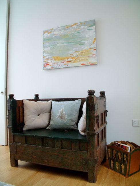 Antique Monk's chair with contemporary artwork Space Alchemy Ltd Спальня