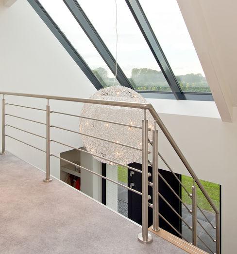 Building Design Architectuur Pasillos, vestíbulos y escaleras modernos