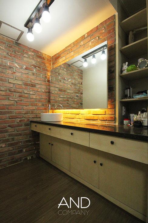 앤드컴퍼니 Modern style bedroom