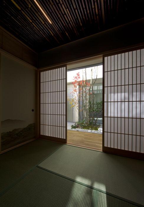 茨木の家 GREENSPACE モダンな庭