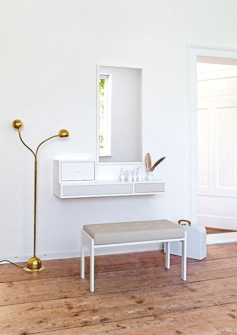 COLLECT Versat Pasillos, vestíbulos y escaleras de estilo moderno
