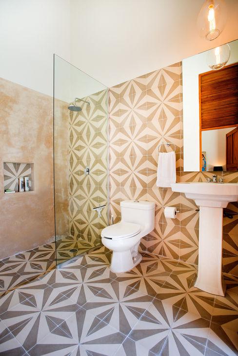 Taller Estilo Arquitectura Phòng tắm phong cách chiết trung